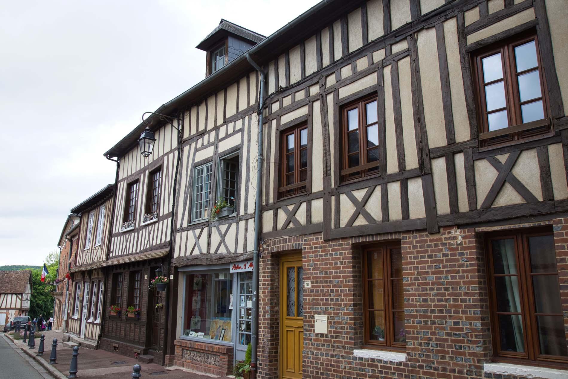 Lyons la Foret