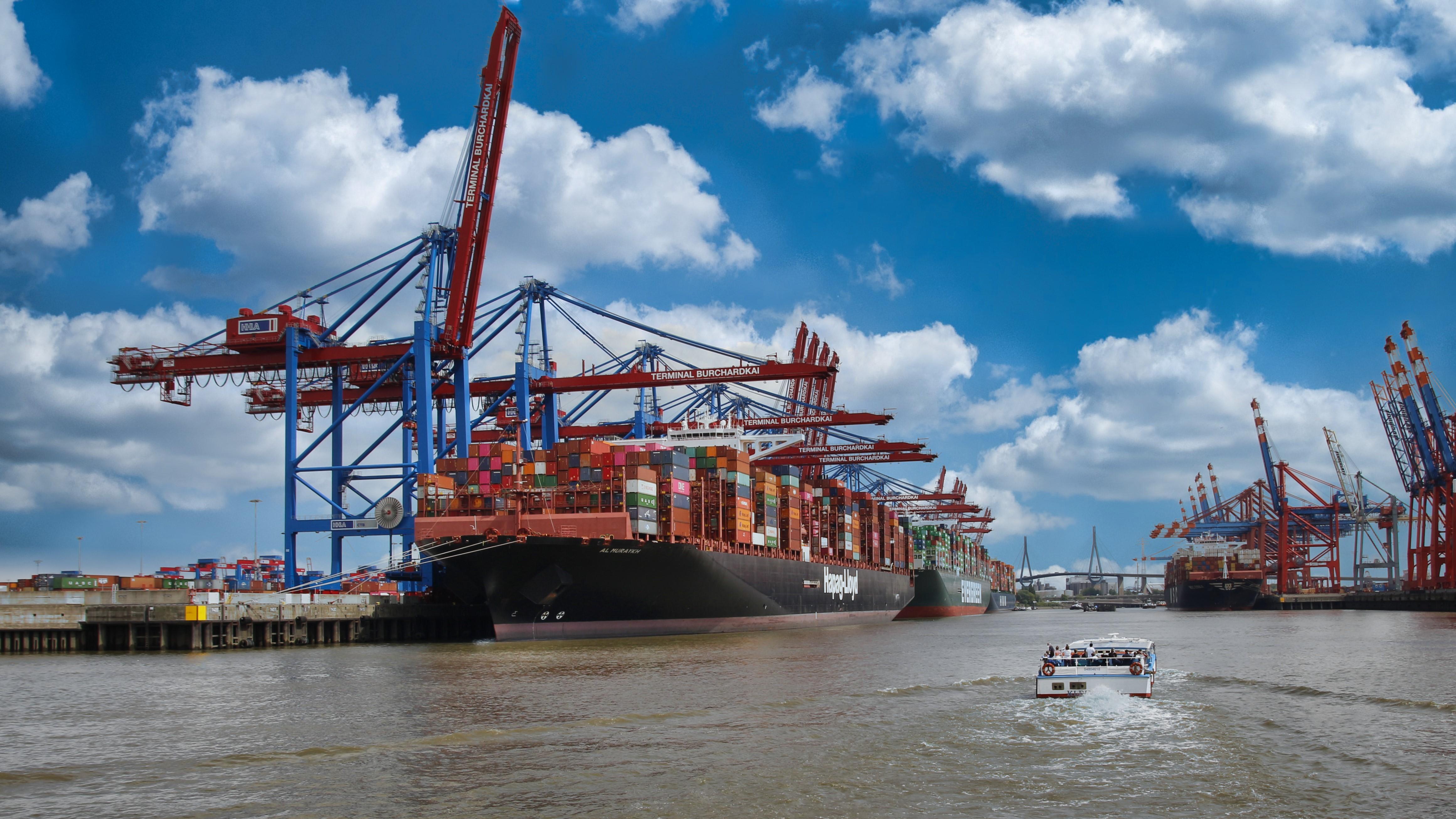 Hafenrundfahrt - Containerschiff